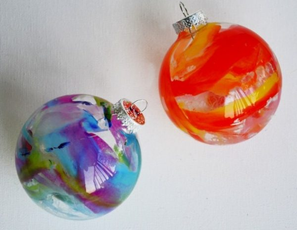 DIY Christmas Ornaments Melted Crayons